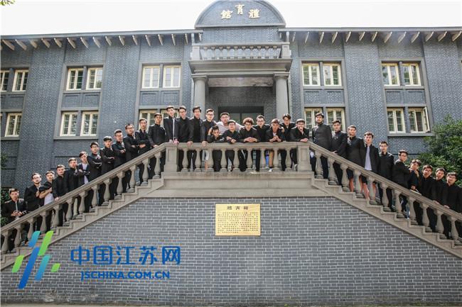 东南大学 和尚班 毕业 全班38人均为男生