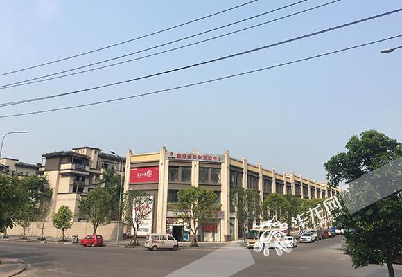 蔡家名流别墅区位于北碚区蔡家岗街道,距离轨道交通6号线蔡家站直线