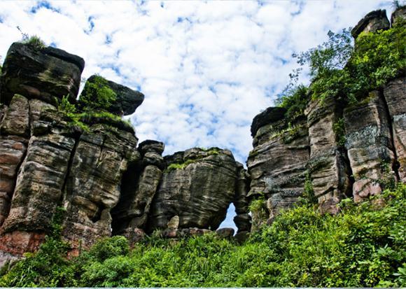 重庆綦江国家地质公园穿风洞.图片来源于网络