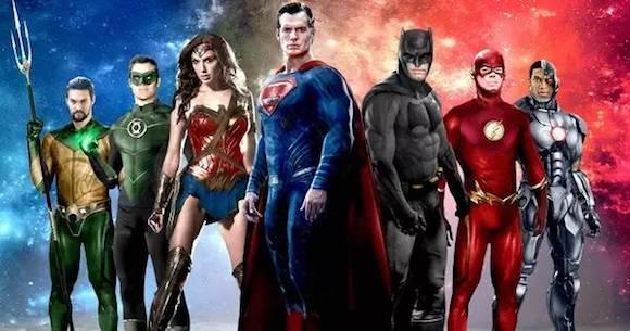 电影海报 图片来源网络 华龙网11月16日11时讯(记者 董进)年底最强压轴好莱坞大片、DC首部超级英雄联盟电影《正义联盟》即将于明(17)日全面公映,蝙蝠侠、神奇女侠、超人、闪电侠、海王和钢骨等狂拽酷炫的最强超级英雄组团吊打反派,嗨爽过瘾的动作大戏即将开打,被视为年底娱乐效果最棒的必看大片。重庆客户端也将邀请幸运网友在本周日(19日)免费观看该片。 《正义联盟》是和漫威齐名的漫画巨头DC的首部英雄联盟巨制,全球偶像级的超级英雄们首次大集结,六大英雄个顶个狂拽酷炫,合体后战斗值和魅力值更是双双爆表。魅