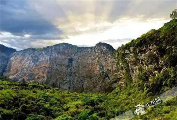 媒体推荐  潭獐峡峡谷型风景区,位于重庆市万州区东南部,国家级风景