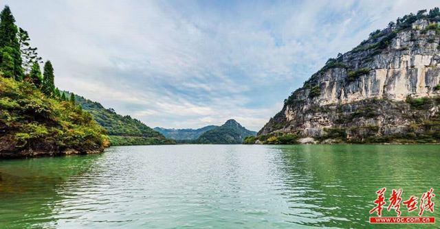 仙人府—香炉山,塞海湖—龙泉峡,观音崖—藏君洞等景区和湄江国家地质