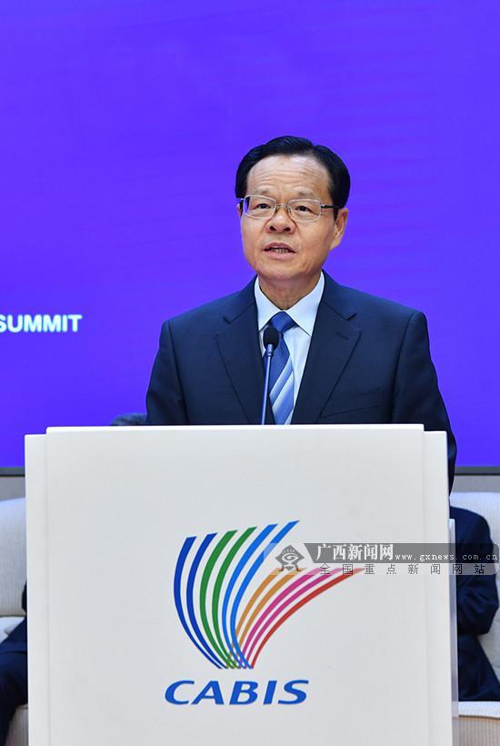 柬埔寨首相洪森与中国企业ceo举行圆桌对话图片