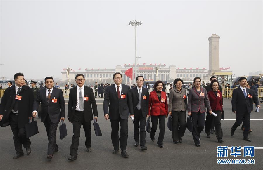 (两会·政协开幕)(4)全国政协十三届二次会议开幕